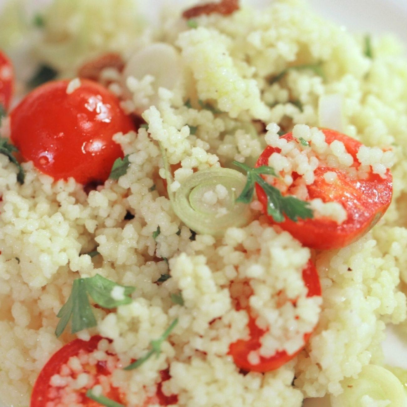 Paradicsomos kuszkusz saláta
