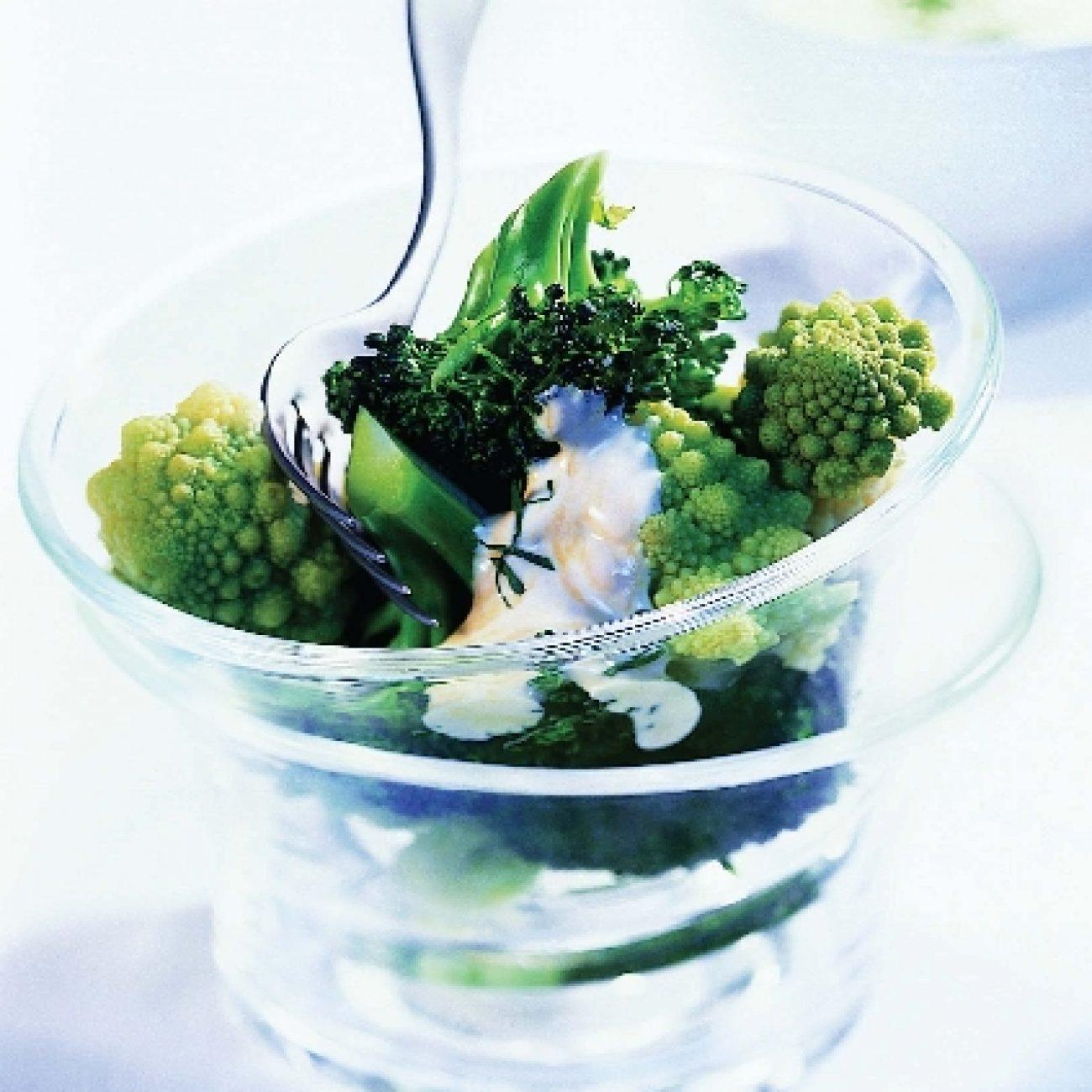 Brokkoli-csillagkarfiol saláta – Miele gőzpárolóban készült
