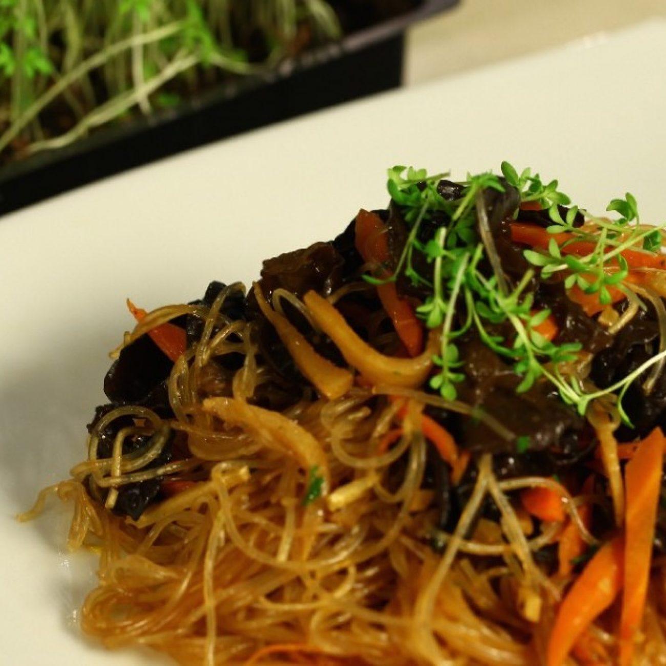 Fafülgombás-bambuszrügyes fitt saláta üvegtésztával (hidegen)